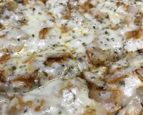 Buffalo Chicken Pizza - Quad City Style Pizza - Mahtomedi, MN (651) 777-1200