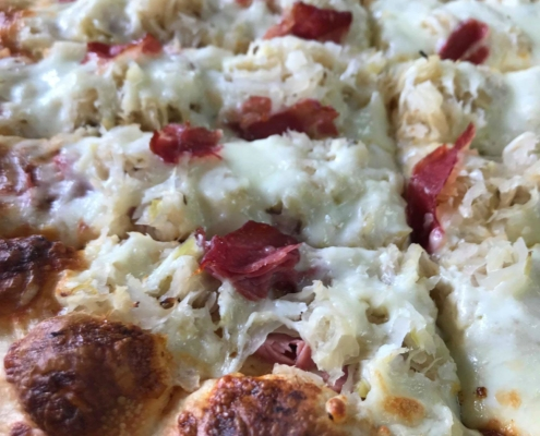 The NEW Reuben Pizza - Quad City Style Pizza - Mahtomedi, MN (651) 777-1200